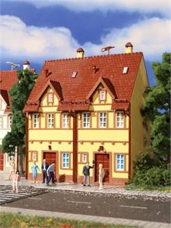 43844 2-хподъездный дом желтый - фото 12483