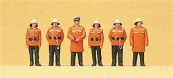 10214 Пожарные в защитных костюмах - фото 13139