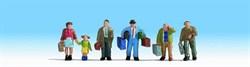 15224 Пассажиры+багаж на вокзале - фото 4153