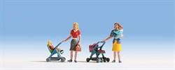 15820 Мамы с детьми, коляски - фото 4277